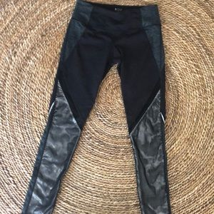 Brand 59 leggings in size small like new